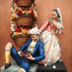 Vestidos tradicionales en las Fallas de Valencia