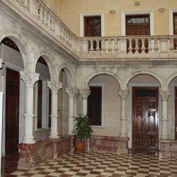 """Palacio del """"Centro Cultural Gómez-Tortosa"""" en la ciudad de Novelda en Alicante"""
