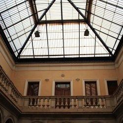 """Cúpula del """"Centro Cultural Gómez-Tortosa"""" en la ciudad de Novelda en Alicante"""