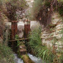 Sistema de riego en el Cañón del río Mundo en Albacete