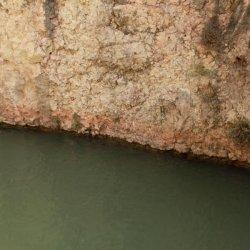 Medidor del nivel de agua en el Cañón del río Mundo en Albacete