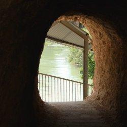 Puerta en el Cañón del río Mundo en Albacete