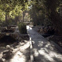 Senderos en el Parque del Oeste en la ciudad de Novelda en Alicante