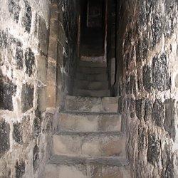 Escalera en el Castillo en el cerro Mola en Novelda de Alicante