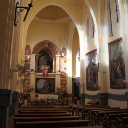 Luz en el interior del Santuario de Santa María Magdalena en Novelda de Alicante
