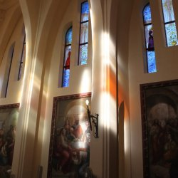 Iconos en el Santuario de Santa María Magdalena en Novelda de Alicante