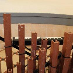 Tubos del órgano de mármol en el Santuario de Santa María Magdalena en Novelda