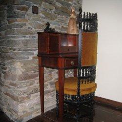 """Muebles antiguos en el Hotel """"Pazo de Terrafeita"""""""
