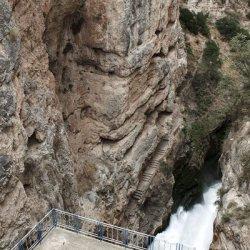 Instalaciones hidrotécnicas en el Embalse de Camarillas en Albacete